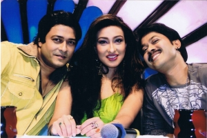 With Ferdous Ahmed and Rituparna Sengupta, judges on ETV talent show, Rhitur Mela, Calcutta